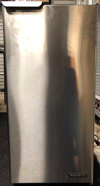 Hoshizaki 50 lb. Air Cooled Ice Maker Machine