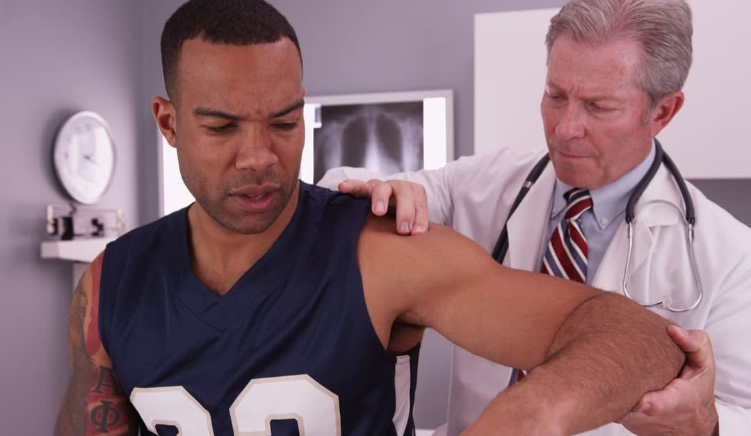 Signs You Should See an Orthopedic Specialist for Shoulder Pain
