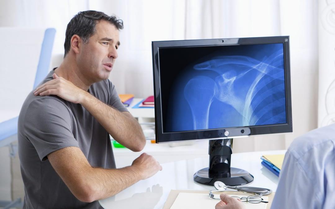 Shoulder Labrum Tears: Symptoms and Treatments