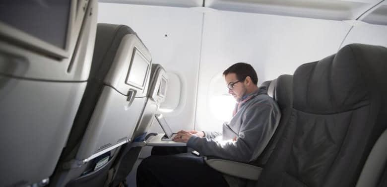 U.S. likely to expand airline laptop ban to Europe: government officials