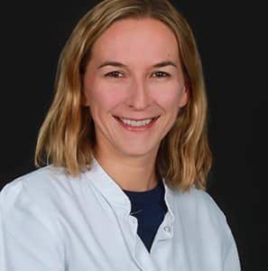 Headshot of Dr. Bettina Heidecker.