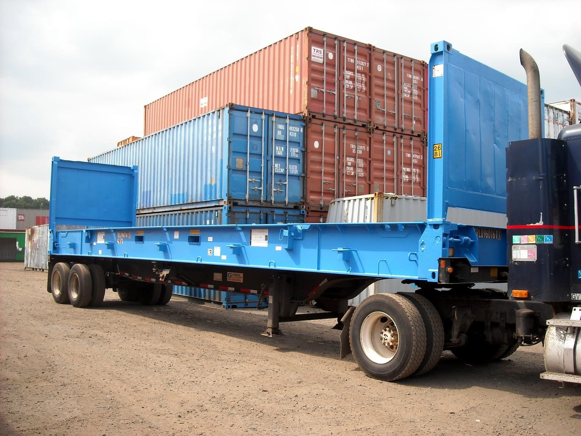 TRS 40ft flatracks carry heavy or odd shaped cargo