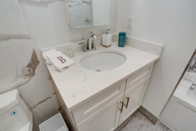 33_32Bathroom_mls