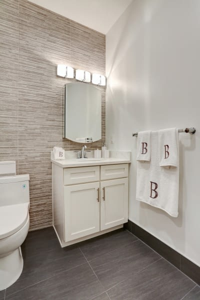25_24Master_Bathroom_mls