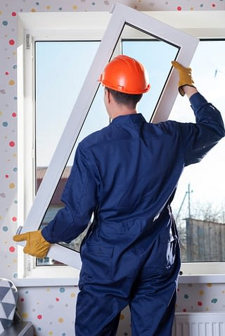 Professional contractor replaces window