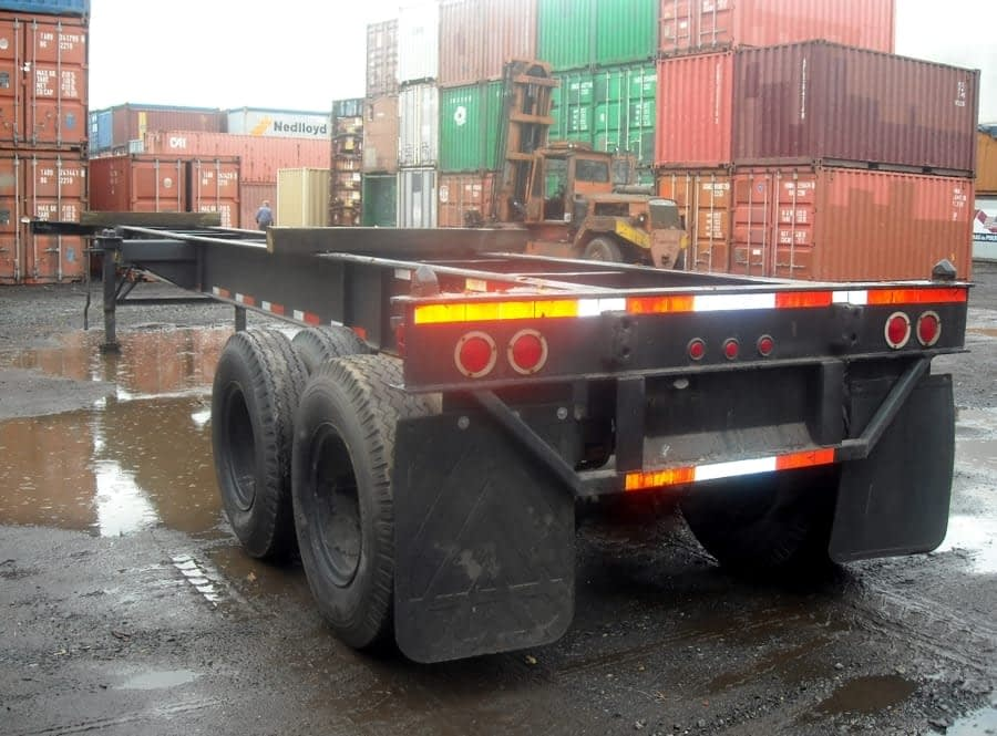 TRS your source for 8-pin lock chassis to transport 2 x 20ft or 1 x 40ft long container