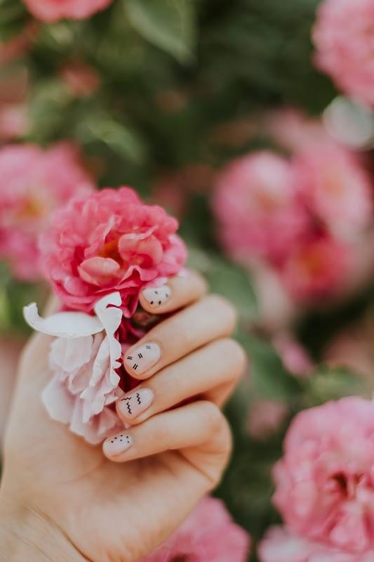 nail art on light pink nails