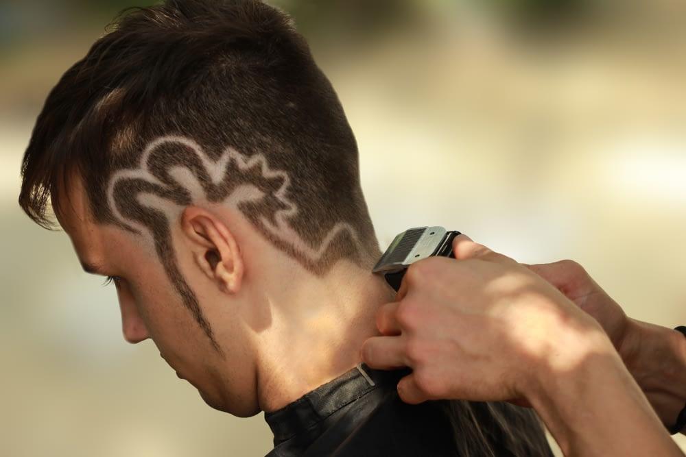 Model receiving undercut haircut