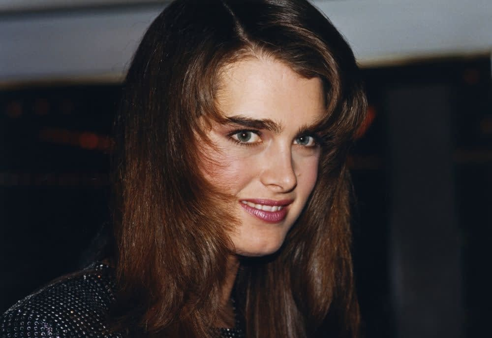 1990-hairstyle-on-woman